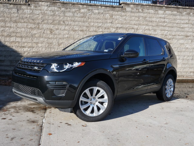 Pre-Owned 2017 Land Rover Discovery Sport SE