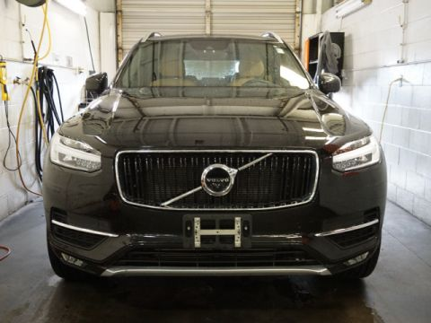 Pre-Owned 2017 Volvo XC90 T6 Momentum All-wheel Drive